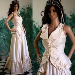 ADELE - menyasszonyi ruha, Esküvő, Menyasszonyi ruha, Ruha, Tojáshéj-színű hernyóselyem taftból készült, egyedi applikációval készült modellem: Mellényke + fodr..., Meska