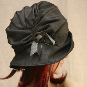 ERNA / szürke selyem - design flapper-kalap (Aranybrokat) - Meska.hu