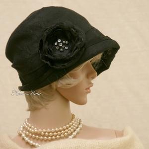 FRIDA cloche - design flapper-kalap, Kalap, Sál, Sapka, Kendő, Ruha & Divat, Varrás, Különleges alkalmakra ajánlom ezt az 1920-as évek stílusában tervezett  kalapocskám.\nKülönleges, hol..., Meska