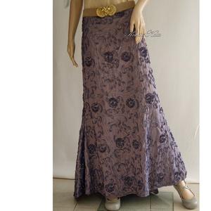 SELLŐSZOKNYA - szalagos taftszoknya, Ruha & Divat, Női ruha, Alkalmi ruha & Estélyi ruha, Színjátszós, lilás-szürke szalagos taftszoknya különleges alkalmakra.  Egyedi darab!  Mérete: L / 44..., Meska