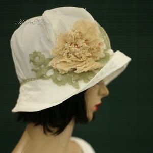 MARGITKA - romantikus nyári kalap , Táska, Divat & Szépség, Női ruha, Ruha, divat, Sál, sapka, kesztyű, Sapka, Különleges minőségű, jó tartású, selymes-fényű, tört-fehér pamut-ripszből készült béleletlen kalapoc..., Meska