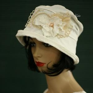 FRIDA - romantikus nyári kalap , Táska, Divat & Szépség, Női ruha, Ruha, divat, Sál, sapka, kesztyű, Sapka, Különleges minőségű, jó tartású, selymes-fényű, tört-fehér pamut-ripszből készült béleletlen, fejhez..., Meska