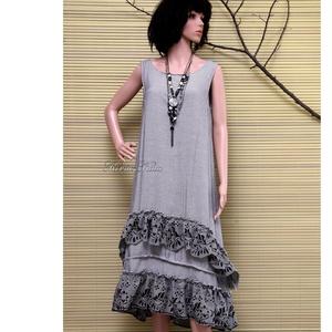 FELICIA - fodros design-ruha, Női ruha, Ruha & Divat, Alkalmi ruha & Estélyi ruha, Varrás, \nSzép-esésű, hűvös tapintású, apró-pepita viszkóz-selyemből készült trikópántos modellem alul duplán..., Meska