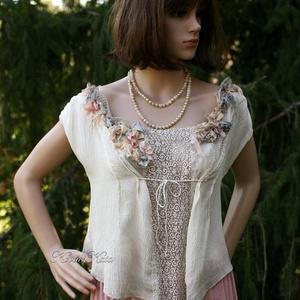 DARIA -  exkluzív 100% hernyóselyem blúz, Táska, Divat & Szépség, Ruha, divat, Női ruha, Blúz, Exkluzív, különleges szövésű Crepe de Chine selyemből terveztem ezt a rövid,csipke-betétes blúzocská..., Meska