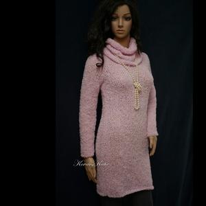 BARBI - exkluzív kézzel kötött alpaka-buklé pulóver-ruha, Táska, Divat & Szépség, Ruha, divat, Női ruha, Ruha, Kötés, Ez a finom, baba-rózsaszínű pille-könnyű alpaka-buklé fonalból  készült, vatta-puhaságú, klasszikusa..., Meska