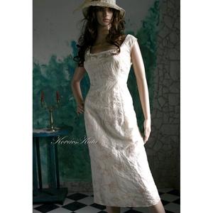 CIGARET-LINE  - örömanya ruha, Táska, Divat & Szépség, Esküvő, Női ruha, Ruha, divat, Estélyi ruha, Varrás, Tojáshéj színű hímzett, gyűrt taftból készült, a test vonalát lazán követő szabással, hátul slicc, c..., Meska