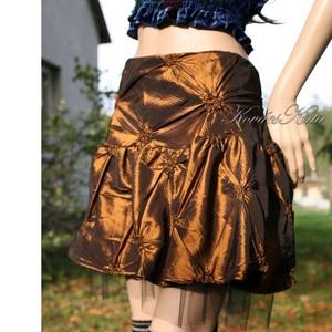 TAFT MINI - alkalmi design szoknya, Ruha & Divat, Női ruha, Alkalmi ruha & Estélyi ruha, Különleges küllemű taftból készült, tüllös-aljú kis-szoknya.  Derékra szabott, oldalt zippes.  Méret..., Meska