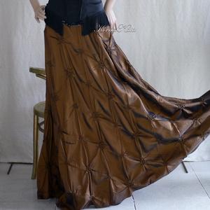 BÁLI-SZOKNYA - hosszú tölcsér-szoknya, Ruha & Divat, Női ruha, Alkalmi ruha & Estélyi ruha, Különlegesen raffolt designer taftból készült könnyű, hosszú alkalmi szoknya bronz-barna színben.  M..., Meska
