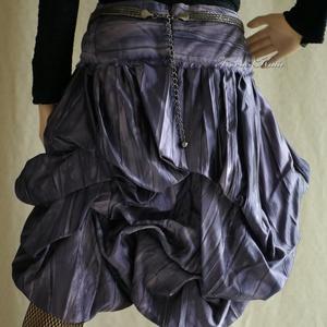 """BUBORÉK-SZOKNYA - extravagáns design-szoknya, Ruha & Divat, Női ruha, Alkalmi ruha & Estélyi ruha, Látványos koktél-szoknya gyárilag batikolt pliszés taftselyemből. A  felcsípésekkel habosított """"bubo..., Meska"""
