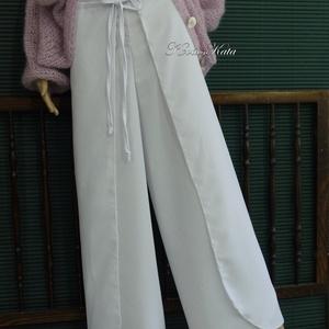 LAPNADRÁG - selyem szárongnadrág, Táska, Divat & Szépség, Ruha, divat, Női ruha, Nadrág, Hófehér, matt nehéz-selyemből készült lapnadrág. Díszített selyem-felsőim kitűnő kísérője lehet.  Sz..., Meska