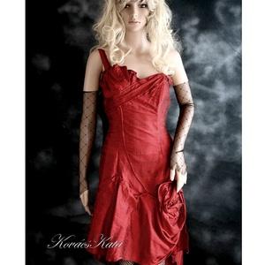 PAMELA - artsy sanzsán shantung koktélruha, menyecske ruha, Alkalmi ruha & Estélyi ruha, Női ruha, Ruha & Divat, Varrás, Gyönyörű vérvörös selyem-shantungból készítettem ezt a különleges szabású modellem.\n\nAzoknak a nőkne..., Meska