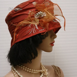 FRIDA cloche - hímzett taft - design flapper-kalap (Aranybrokat) - Meska.hu