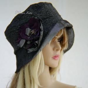 FRIDA cloche - antikselyem flapper-kalap, Kalap, Sál, Sapka, Kendő, Ruha & Divat, Varrás, Újrahasznosított alapanyagból készült termékek, A különleges kalapok szerelmeseinek ajánlom ezt az 1920-as évek stílusában tervezett  kalapocskám.\n\n..., Meska
