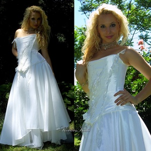 ANDROMÉDA - exkluzív fűzős menyasszonyi ruha, Esküvő, Menyasszonyi ruha, Ruha, Történelmi ihletésű, halcsont merevítésű, applikált fűzős, hófehér taftból készült kétrészes menyass..., Meska