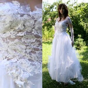 LEILA - tündéres, tüllös bohém menyasszonyi ruha, Esküvő, Menyasszonyi ruha, Ruha, Ezt a tündéri, légies menyasszonyi ruhát a különlegességek szerelmeseinek készítettem.  Mérete: S-M ..., Meska