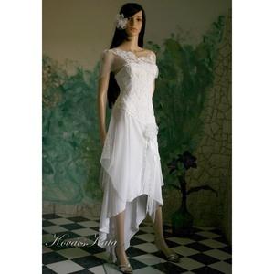 LÉNA - bohém alternatív menyasszonyi ruha, estélyi csipke ruha (Aranybrokat) - Meska.hu