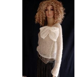 TIFFANY / ivory - szexi selyem-moher pulóver kámzsával - kézzel kötött, Ruha & Divat, Női ruha, Pulóver & Kardigán, Luxus-minőségű hernyóselyem-kid-moher-fonalból lazán kötött hosszú-ujjú, -pille-könnyű pulcsi különá..., Meska