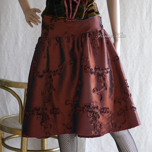 SZALAGOS-TAFT alkalmi szoknya , Ruha & Divat, Női ruha, Alkalmi ruha & Estélyi ruha, Bronzvörös szalagos taftból készült, derékra szabott, térd-közeli húzott szoknya különleges alkalmak..., Meska