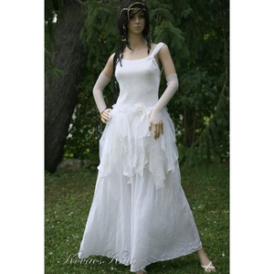SHARON - bohém alternatív menyasszonyi ruha , Esküvő, Ruha, Menyasszonyi ruha, Csini ruhácska hófehér elasztikus zsenília-kelméből, a szoknyarész szabdalt zsorzsettből, csipkékből..., Meska