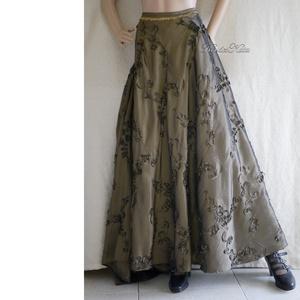 SZALAGOS TAFT - körgloknis báli hosszú szoknya , Ruha & Divat, Női ruha, Alkalmi ruha & Estélyi ruha, Varrás, Szalag-rátétes taftból készült, derékra szabott, hosszú körgloknis szoknya különleges alkalmakra. \nK..., Meska