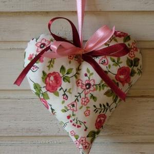 Tavaszi hangulatú dekorációs szív (Aranycerna) - Meska.hu