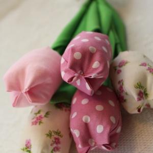 Egyedi tavaszi tulipán csokor (Aranycerna) - Meska.hu