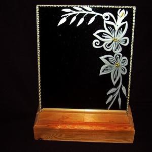 Jázmin- gravírozott tükörlap, Dekoráció, Otthon & lakás, Dísz, Kép, Gravírozás, pirográfia, Fa talapzatban álló,   19 cm x 16 cm nagyságú tükörlapra gravíroztam a virágos, jázminos mintát, sza..., Meska