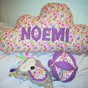 Felhőpárnás szett, Játék & Gyerek, Babalátogató ajándékcsomag, Varrás, Mindenmás, Ezt a baba köszöntő szettet egy Németországban élő picurka lánynak készítettem. Szívesen elkészítem ..., Meska