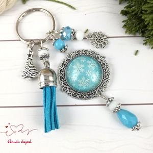 Kék hópelyhes bojtos üveglencsés kulcstartó táskadísz , Egyéb, Táska, Divat & Szépség, Kulcstartó, táskadísz, Otthon & lakás, Dekoráció, Ünnepi dekoráció, Ékszerkészítés, Gyöngyfűzés, gyöngyhímzés, Kék és fehér gyöngyökből, hópelyhes mintával díszített üveglencsés kabosonból, hópihe fityegőből és ..., Meska