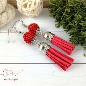 Bojtos fülbevaló antiallergén gyöngyös paprika piros acél fülbevaló tavaszi nyári ajándék nőnek lánynak esküvőre hétközn - ékszer - fülbevaló - rojtos fülbevaló - Meska.hu