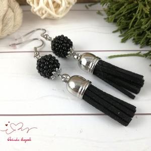 Bojtos fülbevaló antiallergén gyöngyös fekete acél fülbevaló tavaszi nyári ajándék nőnek lánynak esküvőre hétköznapi - ékszer - fülbevaló - rojtos fülbevaló - Meska.hu