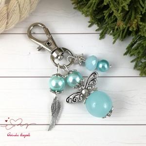 Világoskék angyal angyalkás egyedi kulcstartó táskadísz anyák napja ballagás évzáró pedagógus karácsony szülinap névnap , Kulcstartó, táskadísz, Táska, Divat & Szépség, Ékszerkészítés, Gyöngyfűzés, gyöngyhímzés, Világoskék gyöngyökből angyalkát készítettem, az angyalkát, színben hozzáillő gyöngyöket és egy tibe..., Meska