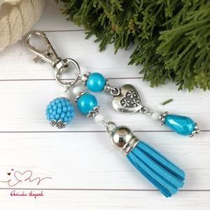 Világoskék bojtos kulcstartó táskadísz anyák napja ballagás évzáró pedagógus karácsony szülinap névnap ajándék, Kulcstartó, táskadísz, Táska, Divat & Szépség, Ékszerkészítés, Gyöngyfűzés, gyöngyhímzés, Világoskék és fehér gyöngyökből, szív alakú köztesből,fűzött 1 cm-es gyöngybogyóból  és világoskék v..., Meska