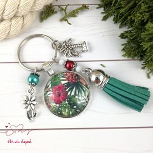 Trópusi táj zöld bojtos üveglencsés kulcstartó táskadísz bojtos nyár mikulás karácsony szülinap névnap ajándék , Kulcstartó, Kulcstartó & Táskadísz, Táska & Tok, Ékszerkészítés, Gyöngyfűzés, gyöngyhímzés, Piros, fehér és zöld gyöngyökből, trópusi virágos mintával díszített üveglencsés kabosonból, virág m..., Meska