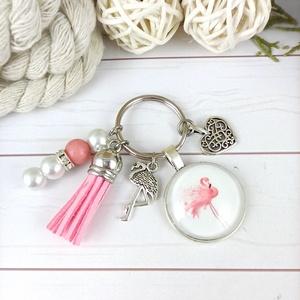 Flamingó rózsaszín bojtos üveglencsés kulcstartó táskadísz bojtos mikulás karácsony szülinap névnap nyár ajándék, Táska, Divat & Szépség, Otthon & lakás, Kulcstartó, táskadísz, Naptár, képeslap, album, Könyvjelző, Egyéb, Furcsaságok, Ékszerkészítés, Gyöngyfűzés, gyöngyhímzés, Tekla gyöngyökből, rózsaszín bojtból, Jade ásványból és flamingó mintával díszített üveglencsés kabo..., Meska