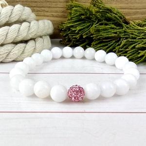 Fehér jade ásvány karkötő rózsaszín csillogó shamballa kristály gömbbel, Ékszer, Karkötő, Gyöngyös karkötő, Ékszerkészítés, Gyöngyfűzés, gyöngyhímzés, Meska