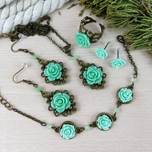 #18 zöld rózsás szett nyaklánc fülbevalók karkötő gyűrű esküvő alkalmi koszorúslány örömanya menyasszony násznagy - Meska.hu