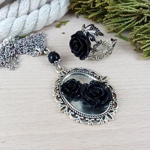 #54 fekete rózsás sötét ezüst szett nyaklánc gyűrű esküvő alkalmi koszorúslány örömanya menyasszony násznagy - ékszer - ékszerszett - Meska.hu
