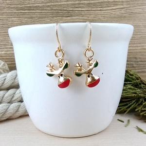 Rénszarvas fülbevaló karácsonyra mikulásra télire adventi kalendáriumba nőnek lánynak, Ékszer, Fülbevaló, Lógós fülbevaló, Ékszerkészítés, Gyöngyfűzés, gyöngyhímzés, Vidám, karácsonyi hangulatú fülbevaló arany színű díszítéssel és fülbevalóalappal. \nTeljes hossza ak..., Meska