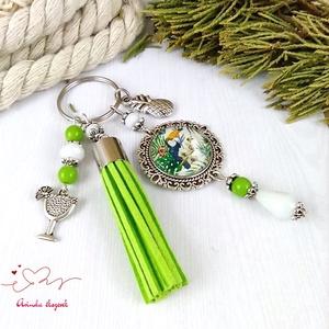 Nyári emlék tukán zöld bojtos üveglencsés kulcstartó táskadísz tengerész nyár strand karácsony szülinap névnap ajándék  - Meska.hu