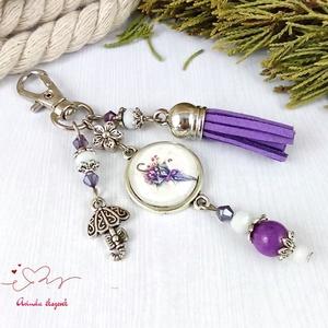 Tavaszi séta lila bojtos üveglencsés kulcstartó táskadísz mikulás karácsony szülinap névnap ajándék , Táska & Tok, Kulcstartó & Táskadísz, Kulcstartó, Ékszerkészítés, Gyöngyfűzés, gyöngyhímzés, Meska
