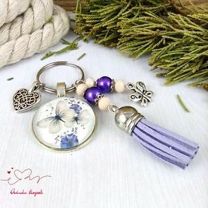 Pillangók lila bojtos üveglencsés kulcstartó táskadísz bojtos nyár mikulás karácsony szülinap névnap ajándék , Táska & Tok, Táskadísz, Kulcstartó & Táskadísz, Ékszerkészítés, Gyöngyfűzés, gyöngyhímzés, Meska