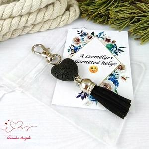 Fekete illatosítható lávakő szív kulcstartó táskadísz ajándékcsomagolással  - Meska.hu