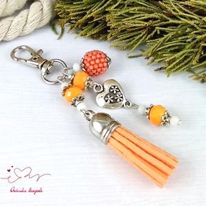 Narancs bojtos kulcstartó táskadísz anyák napja ballagás évzáró pedagógus karácsony szülinap névnap  - Meska.hu