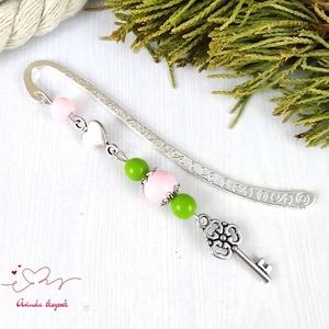 Zöld rózsaszín kulcs könyvjelző fehér anyák napja ballagás évzáró pedagógus karácsony szülinap névnap könyvmoly ajándék - otthon & lakás - papír írószer - könyvjelző - Meska.hu