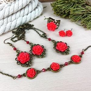 #13 Piros rózsás szett nyaklánc fülbevalók karkötő gyűrű esküvő alkalmi koszorúslány örömanya menyasszony násznagy, Ékszer, Ékszerszett, Ékszerkészítés, Gyöngyfűzés, gyöngyhímzés, Meska
