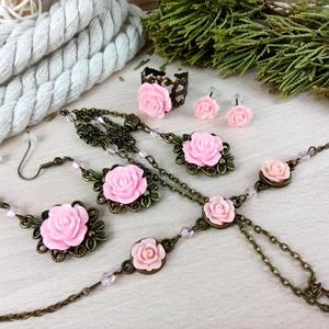 #21 rózsaszín rózsás szett nyaklánc fülbevalók karkötő gyűrű esküvő alkalmi koszorúslány örömanya menyasszony násznagy, Ékszer, Ékszerszett, Ékszerkészítés, Gyöngyfűzés, gyöngyhímzés, Meska