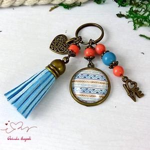 Sorminta kék bojtos üveglencsés kulcstartó táskadísz bojtos mikulás karácsony szülinap névnap nyár ajándék - Meska.hu