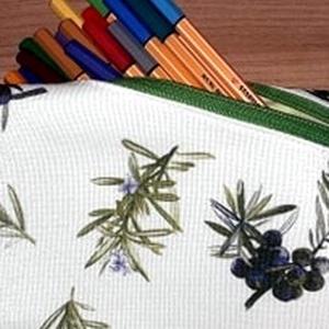 Női NESZESSZER fehér alapon gyógynövényes mintával, rafinált cipzár megoldással (ARitextilmania) - Meska.hu