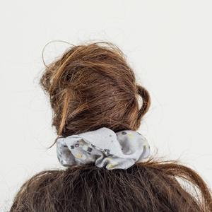 Pöttyöm hajgumi, Hajgumi, Hajdísz & Hajcsat, Ruha & Divat, Varrás, Fotó, grafika, rajz, illusztráció, Kényelmes hajgumi, amely nem roncsolja a hajat, de akár kiegészítőként a csuklón is jól mutat.\n\n100%..., Meska